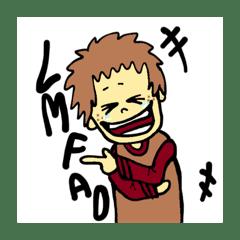 笑う男の子とふわふわな犬