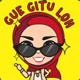 Tante Sari ber Hijab Merah