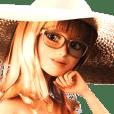เด็กหญิงหมวกทองแสนสวย