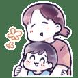 元気な1歳児と母