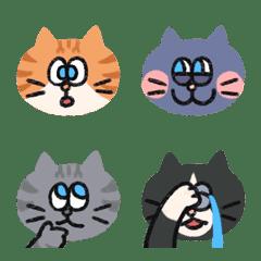 藍眼睛貓咪的善變心情